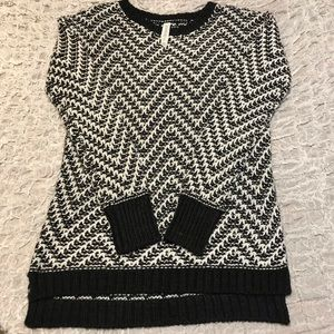 Aeropostale, long sleeve  high/low knitted sweater